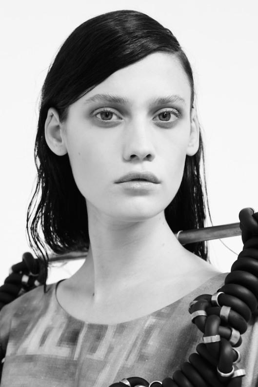 Emily-Meuleman-Nicole-Maria-Winkler-i-D-05